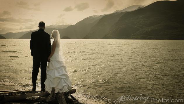 Squamish wedding photographer, image by Robin Wong/ the Vancouver wedding photographer