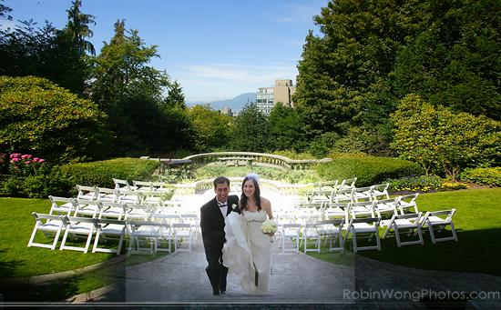 wedding ceremony setting in Hycroft Manor